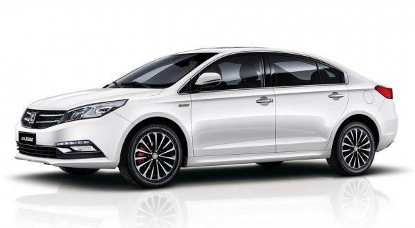 Китайская компания Zotye представила обновленный седан Z500