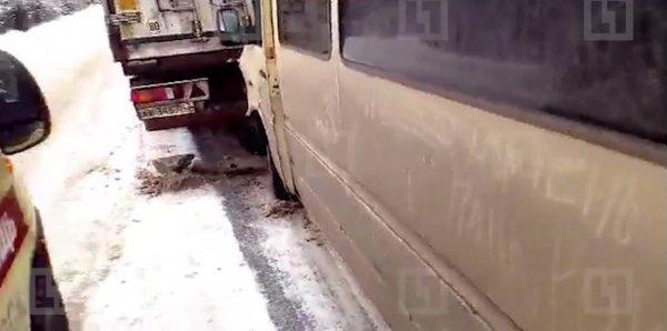 Автобус с музыкантами «Бригадного подряда» столкнулся с грузовиком под Ижевском