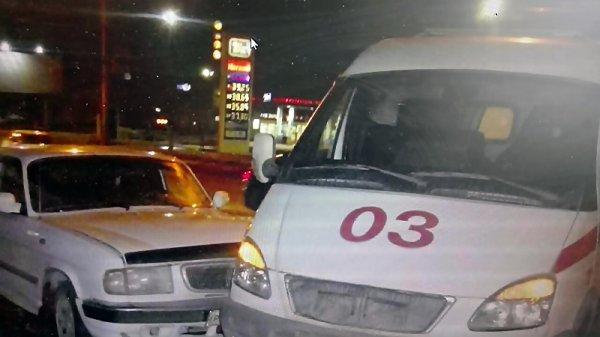 Два фельдшера пострадали в ДТП со
