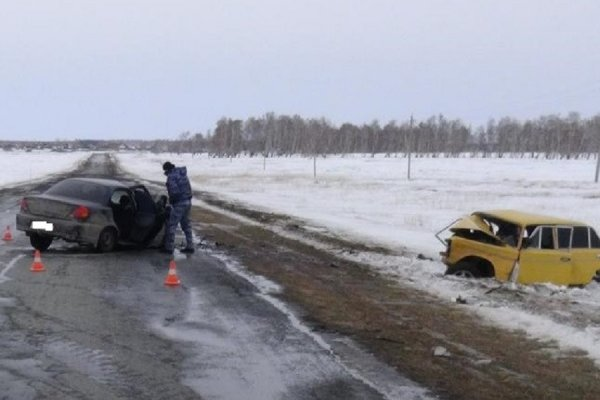 Два человека погибли в ДТП в Зауралье по вине бесправного водителя