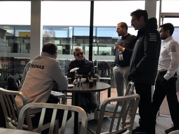Нико Росберг посетил предсезонные тесты в Барселоне