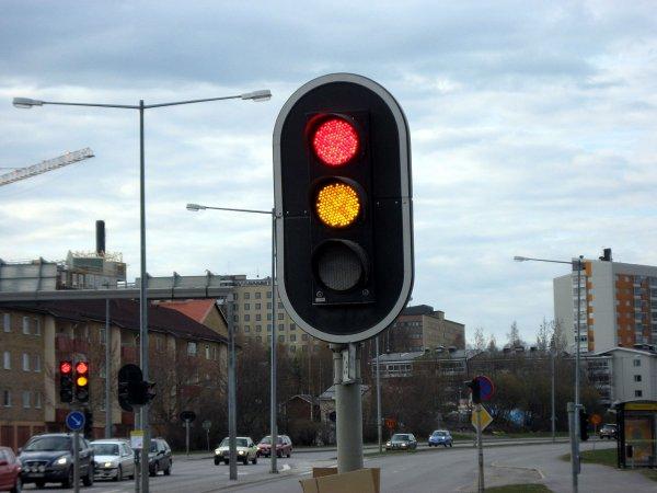 Ущерб от повреждения светофоров в Москве составил 1 млн рублей