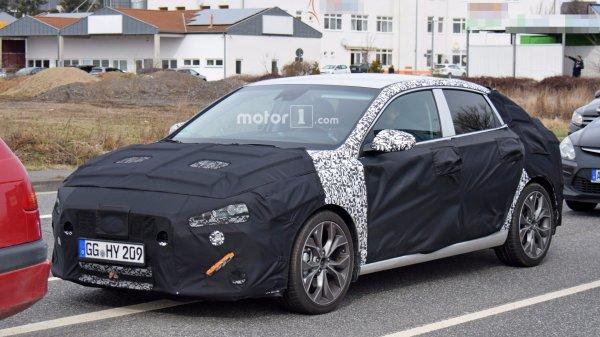 Опубликованы первые шпионские снимки фастбека Hyundai i30