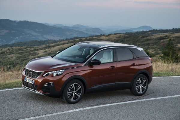Кроссовер Peugeot 3008 признан «Автомобилем года в европе-2017»