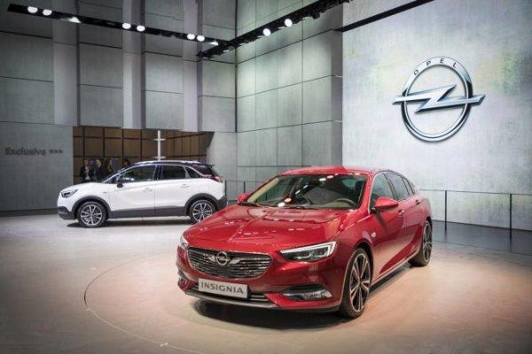 Opel представил в Женеве две новые модели семейства Insignia