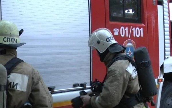 В поселке Калининградской области сгорел автомобиль Audi 80