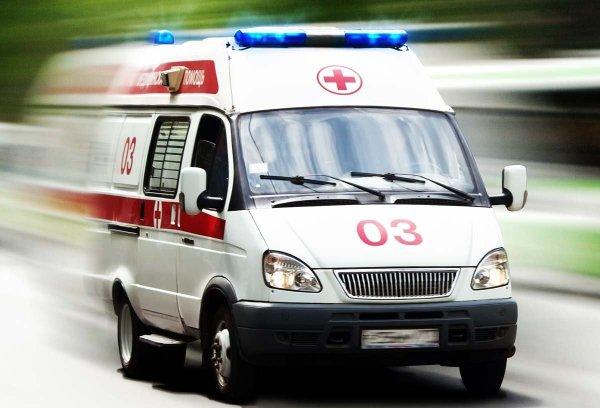 Инспектор ГИБДД сбил двух пьяных пешеходов на Урале