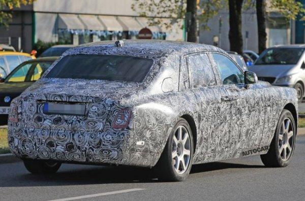 В сети появились шпионские фото обновленного Rolls-Royce Phantom