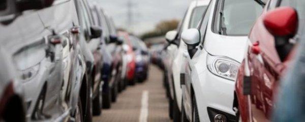 Продажи новых легковых авто и LCV в РФ в феврале снизились на 4,1%