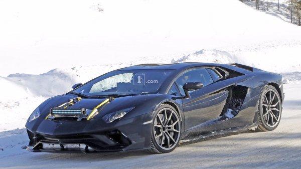 Опубликованы шпионские снимки нового Lamborghini Aventador Performante