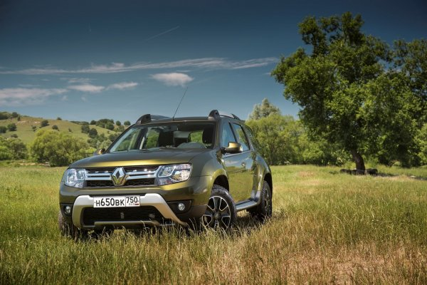 Renault в феврале вошел в «тройку» лидеров российского рынка