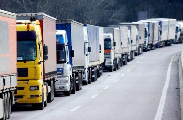 В Уфе на месяц ограничат движение большегрузов
