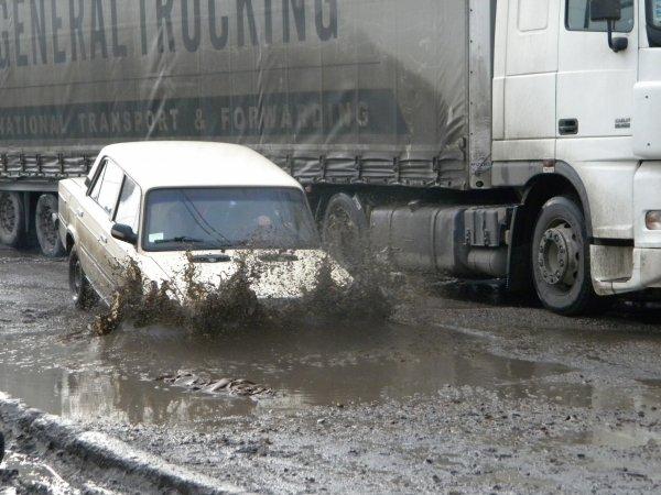 Озвучен ТОП-3 самых неблагоприятных автомобилей для российских дорог