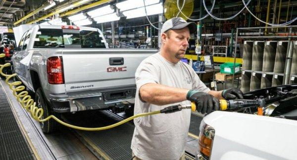 General Motors вернет на работу 500 уволенных работников