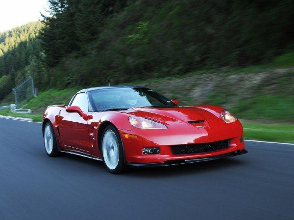 Chevrolet Corvette ZR1 проходит тест-драйв на трассе Laguna Seca