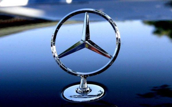 Mercedes возглавил рейтинг автобрендов в соцсетях
