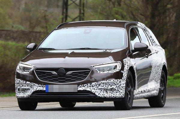 Opel Insignia Country Tourer показался на шпионских снимках