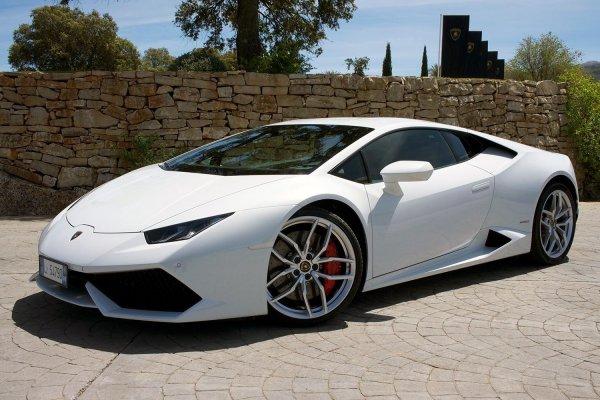 Lamborghini установила новый рекорд продаж в 2016 году