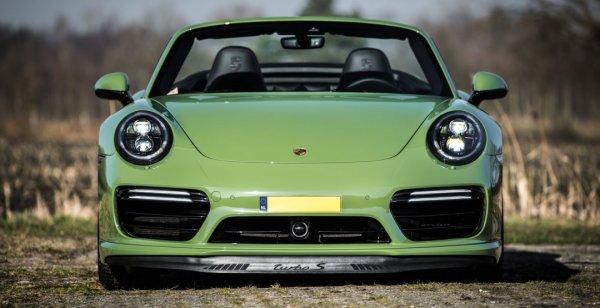 Porsche 911 Turbo S Cabrio получил эксклюзивную расцветку от ателье Edo Competition