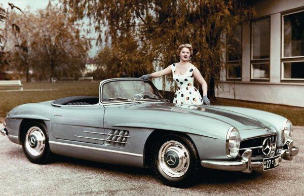 Родстеру Mercedes-Benz 300 SL исполнилось 60 лет