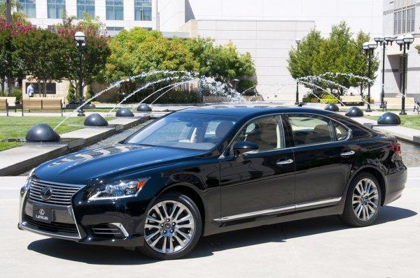 Lexus выходит на индийский рынок с тремя моделями