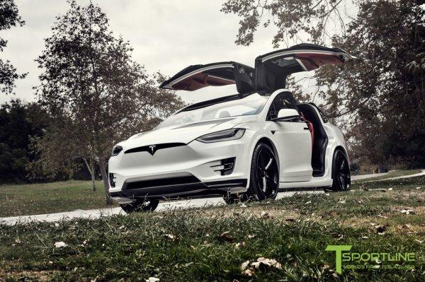 На продажу выставлен Tesla Model X с премиальным салоном в стиле Bentley