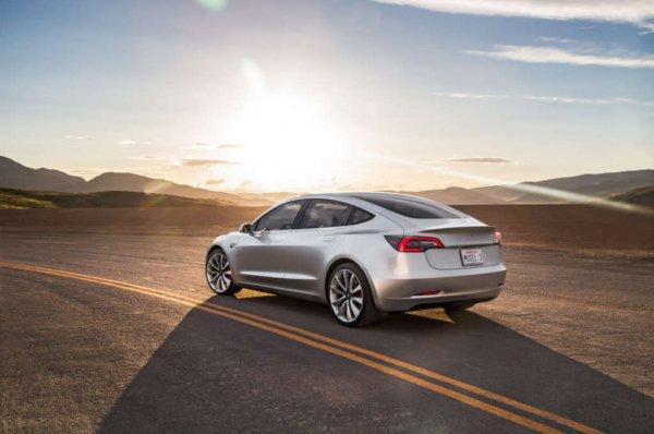 По мнению экспертов, владельцев Tesla не заботят вопросы качества