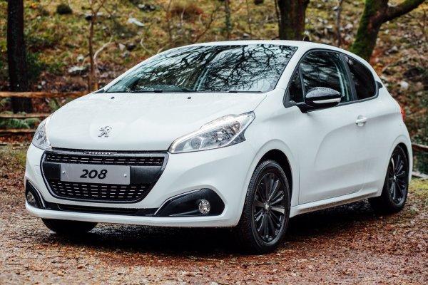 В Великобритании стартовал приём заказов на новый Peugeot 208 Black Edition