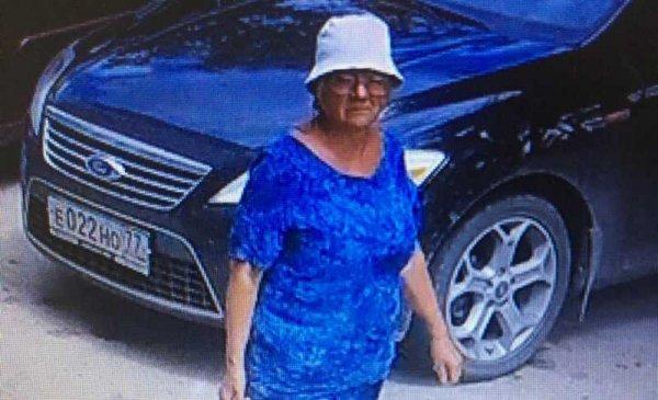"""Как бабушка-мстительница в Севастополе """"воспитывала"""" любителей стихийной парковки"""